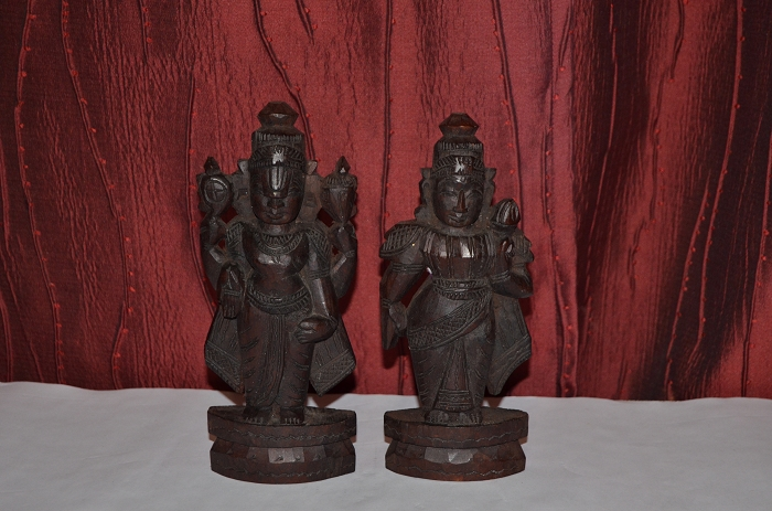 SNDP-Marapachi Doll Set (Lord Venkateshwara and Thayar)